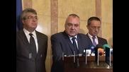 Независимите депутати обвиняват президента в нарушение на Конституцията