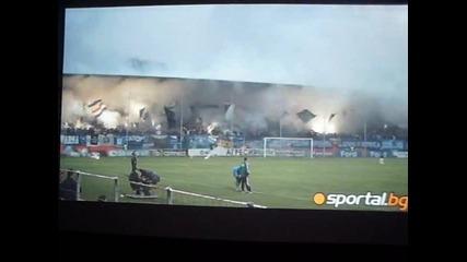 Агитката на Левски полудя по време на мача с Литекс