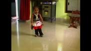 Най-ниското момиче в света мечтае за Боливуд