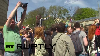 Russia: Hundreds of thousands watch Victory Day parade in Moscow