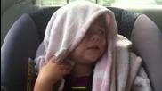 Много сладко!!! Момиченце на 2 години пее
