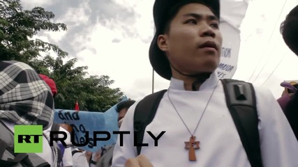 Philippines: Hundreds clash with police at Manila anti-APEC Summit protest