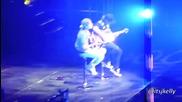 Доказателство, че Джъстин Бийбър може да пее след като му мутира гласа!