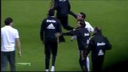 Роналдо с Гаден жест къв Хави Мартинес