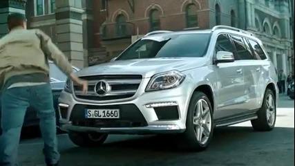 Уникална реклама на Mercedes benz Gl 2013 police