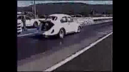 Стара Кола Се Вдига На Задни Гуми
