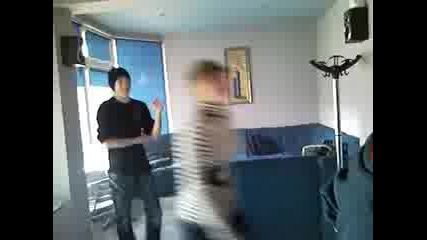 Владко играе салса