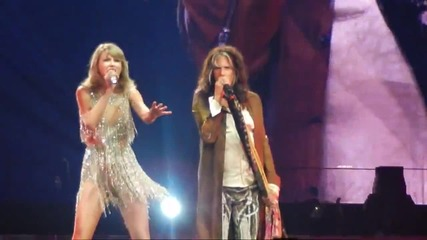 Steven Tyler singing with Taylor Swift