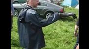 Пиян руснак троши Бентли на къмпинг