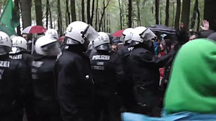 Germany: Police and activists face off during protest at Hambach Forest