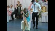 Свидетели _соблазняют_ друг друга на свадьбе