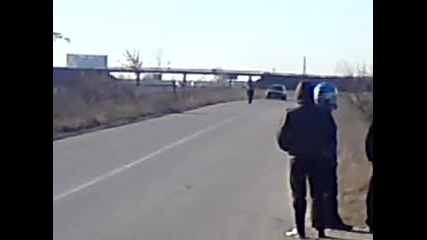 - = Motorcycle stunts Belozem 06.02.2011= - video 1