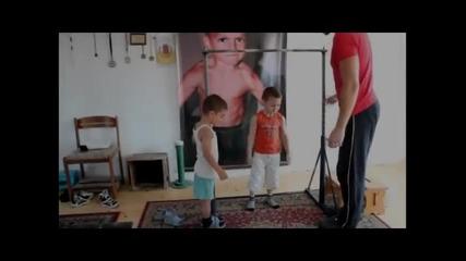 Детето чудо Giuliano Stroe на 6 годишна възраст прави 31 силови възлизания
