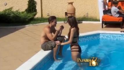 Катарина Груич се забавлява край басейна с младо гадже