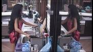 Чистенето и мрънкането вървят ръка за за Катрин