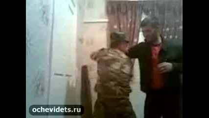 Чеченец отнася главата на военен майстор по бойни изкуства