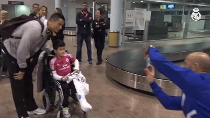 Кристиано Роналдо зарадва болно момче