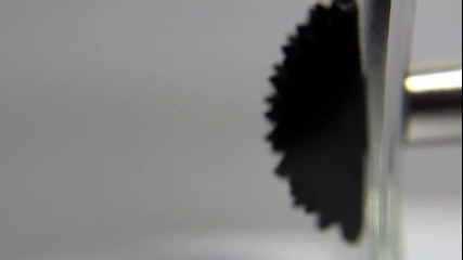 Невероятните свойства на магнитите