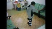 Хлапе Танцува Страхотно