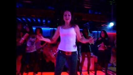 Go - go girl plazza 2009 2