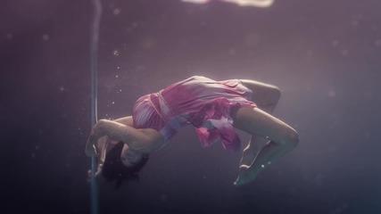 Стриптийз под вода