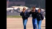 Авиошоу с страхотни изпълнения на най-добрите ескадрили в света