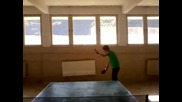 Как се бие сервис на Тенис на маса (смях)