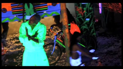 New Boyz - Better With The Lights Off ft. Chris Brown (offic