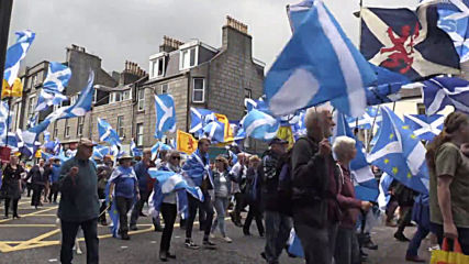 UK: Thousands descend on Aberdeen in support of Scottish independence