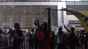 USA: 'Defund the media' - Anti-mandates protesters chant at NYC rally