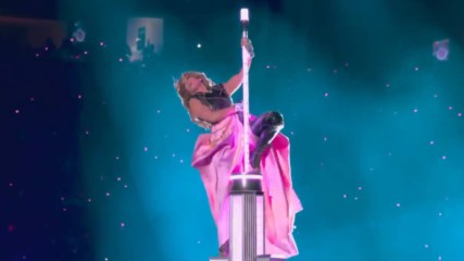 Шакира и Джей Ло разбиват по време на почивките в Супербол