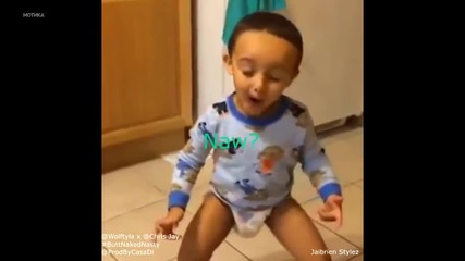 Хлапето разцепва