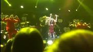 Selena Gomez - Undercover ( Jingle Ball - Seattle )