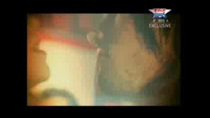 Tiesto - Love Dont Comes Again