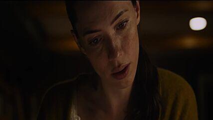 """Къща в мрака - откъс от филма """"НЕ СЕ ПЛАШИ"""