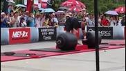 Най-силният мъж в света вдигнал 442,5 кг