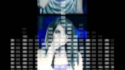 Selena Gomez off the chain