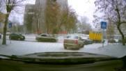 Ето какво се случва с любителите на летните гуми, които не обичат да ги сменят през зимата!