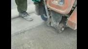 Рязане на фуга в бетон и асфалт с български диамантен инструмен на магистрала Люлин