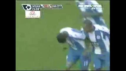 Luis Antonio Valencia!