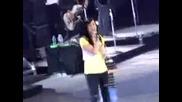 Деми Ловато пее This is me с малко момченце - Demi Lovato Brings Litlle Boy On Stage