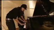 Бил И Том Свирят На Пиано