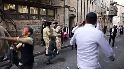 Israel: Hundreds of ultra-Orthodox Jews flout COVID restrix to celebrate Purim on streets of Jerusalem
