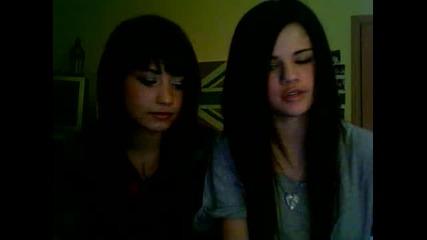Selena Gomez i Demi Lovato пред камерата