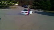 Bmw E30 V8 in Action