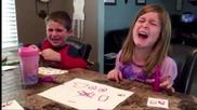 Как реагират децата като разбират че родителите им са взели бонбоните за Хелоуин