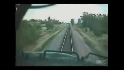 Влак Се Блъска В Друг Влак