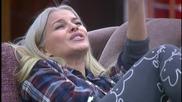Деси пее като Лили Иванова