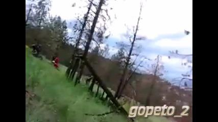 Смях * Аз мога да Летя !!! с колело0о.