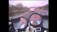 Гонка М/у Кawasaki Zxr И Mercedes Cl 600